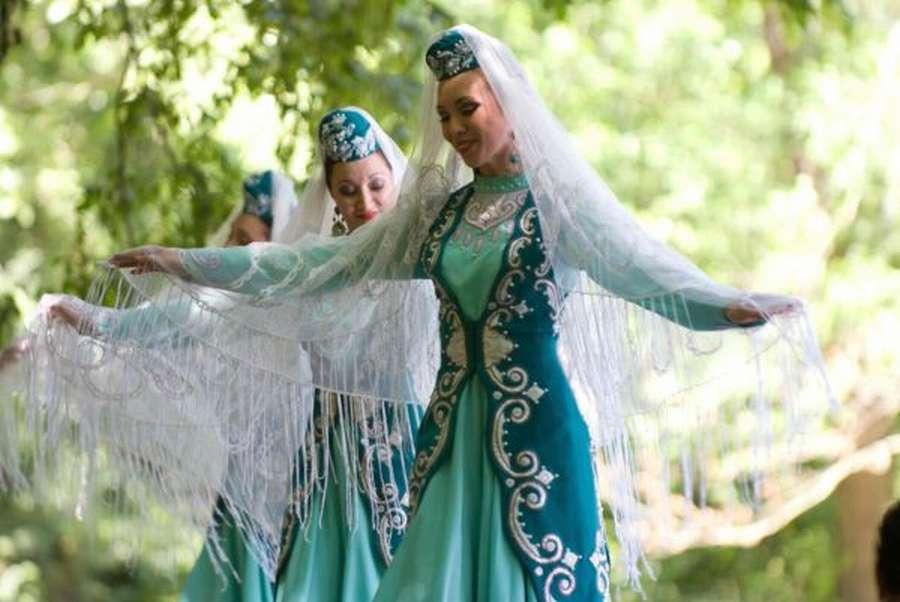 фото татары в национальном костюме